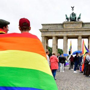 """No a chi """"cura"""" i gay: in aumento gli Stati verso il divieto delle terapie riparative"""